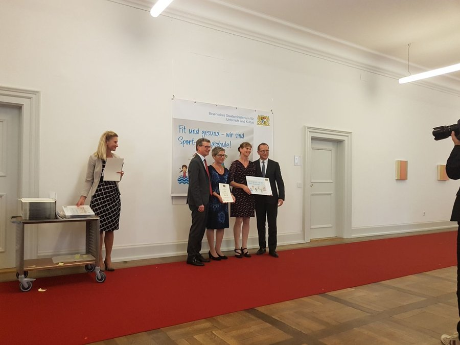 Verleihung des Prädikats Sport-Grundschule im Kultusministerium in München