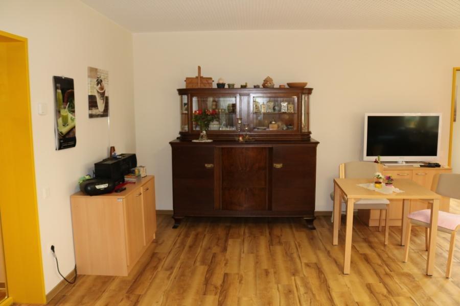 Wohnbereich mit altem Buffet