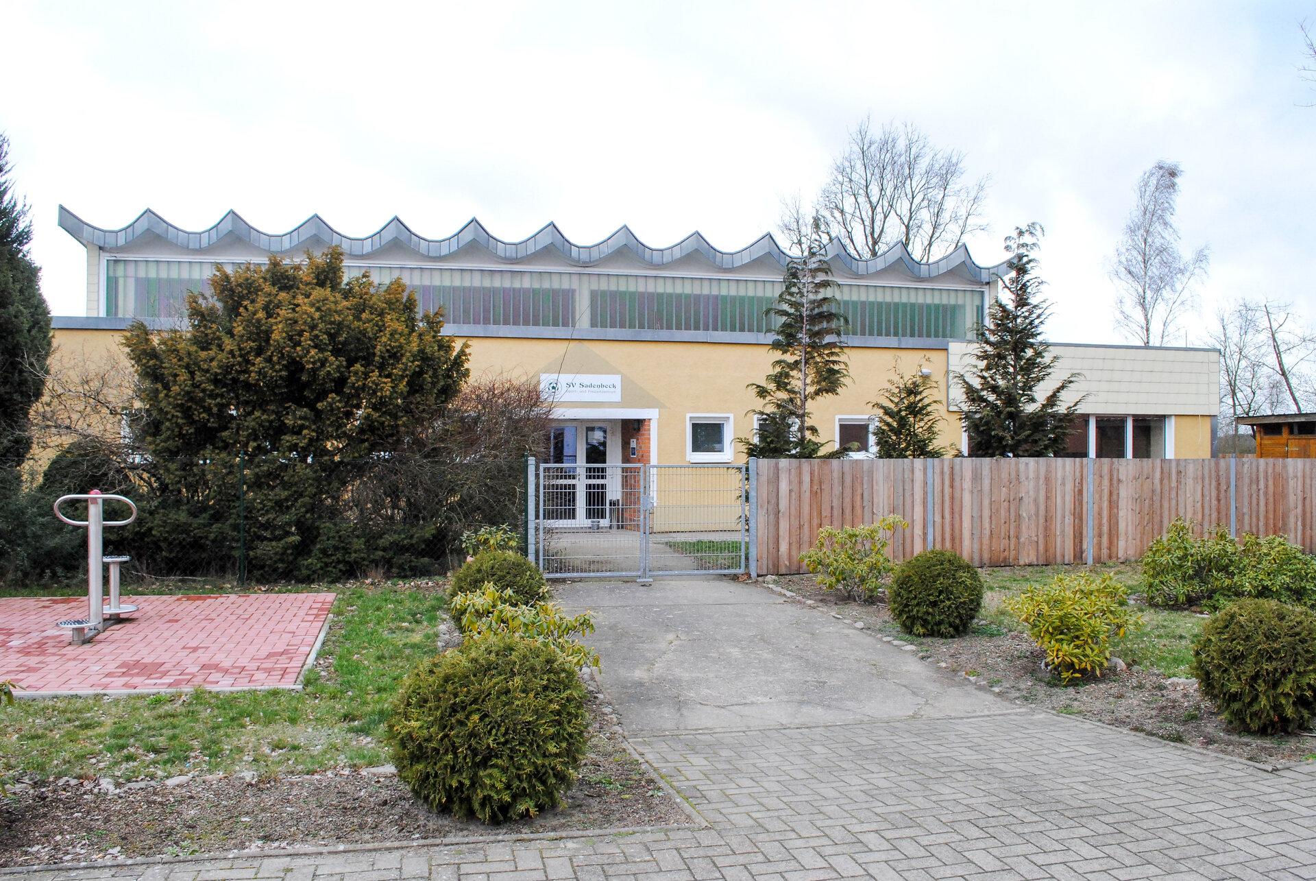 Sadenbeck_Sport-_und_Gemeindehalle-3