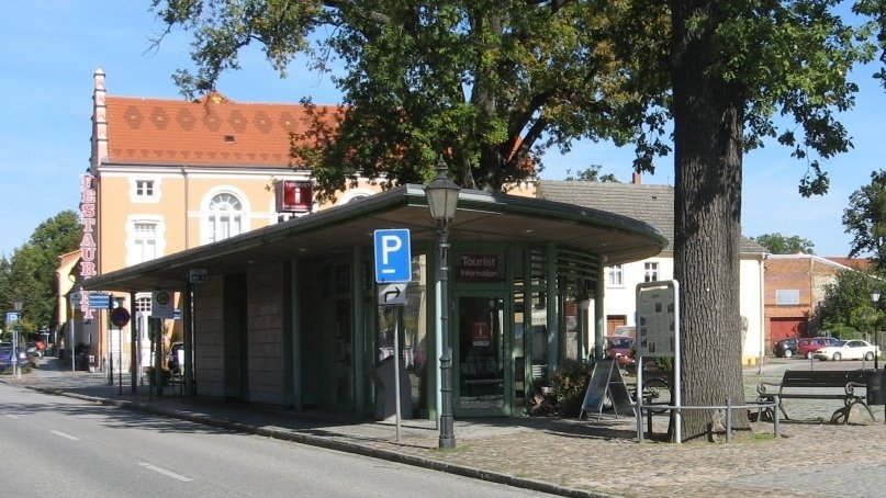 Tourist-Info_auf_Marktplatz_-_Kopie_ji