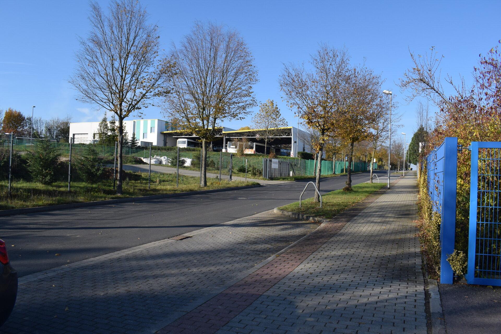 im Wohn- und Gewerbegebiet Regionalbus Leipzig GmbH