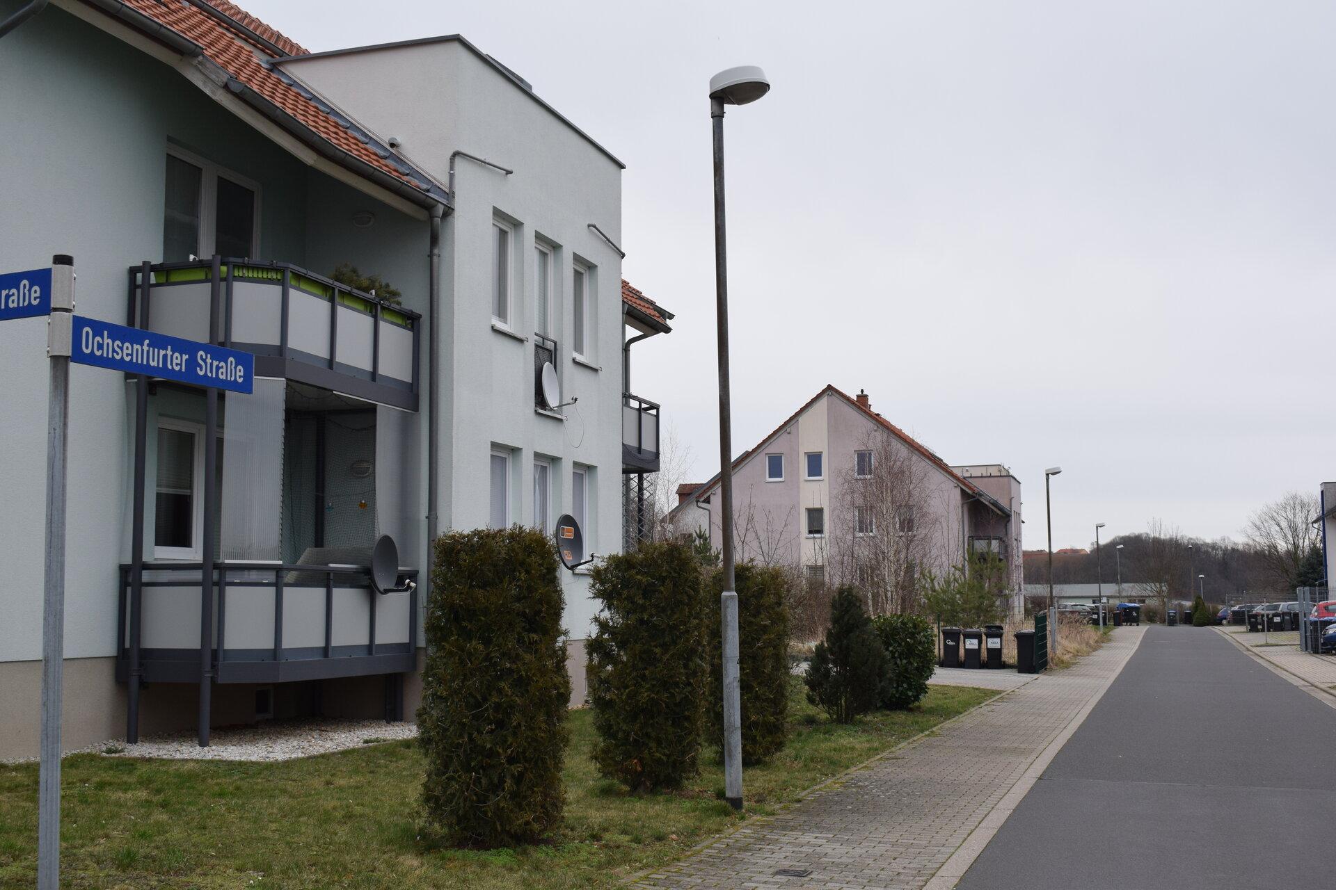 Ochsenfurter Straße im Wohn- und Gewerbegebiet