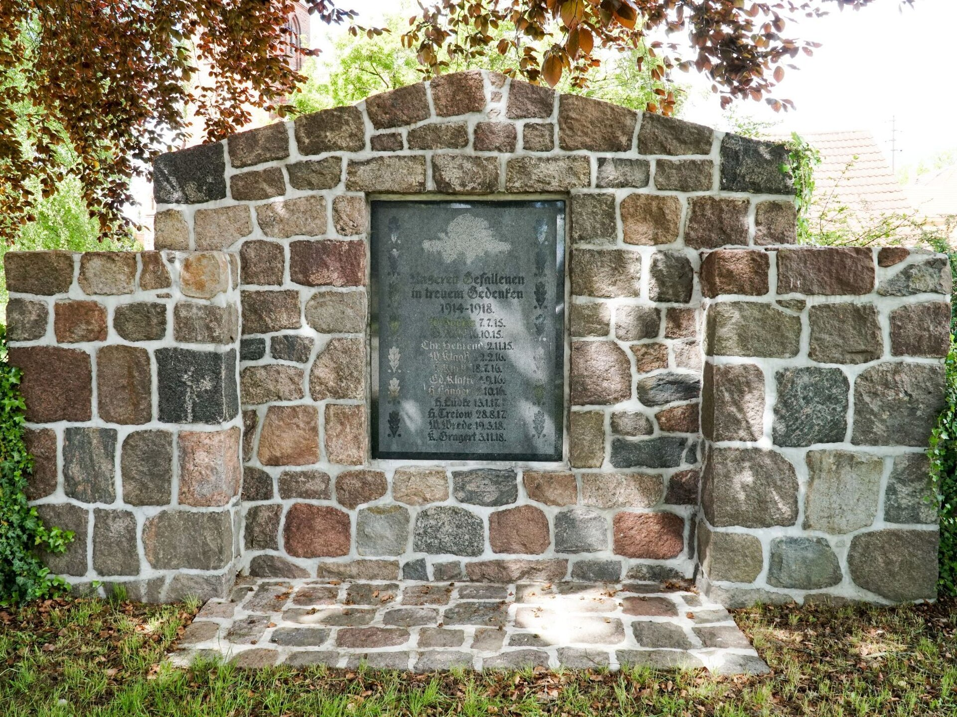 Buchholz, an der Kirche: Denkmal für die Gefallenen des Ersten Weltkriegs