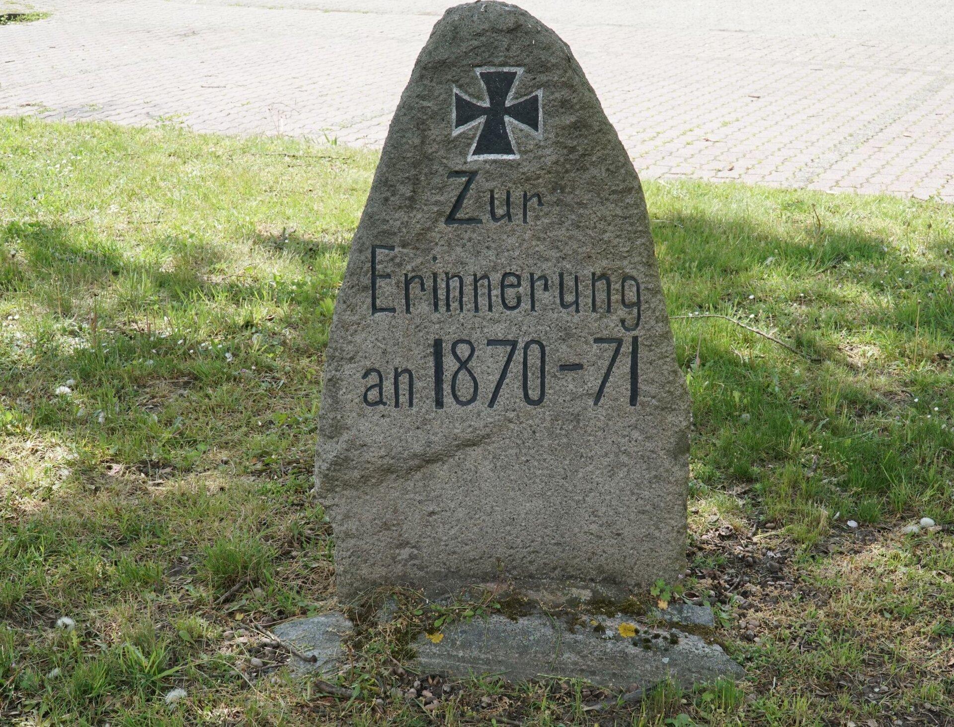 Buchholz, an der Kirche (Nordseite): Denkmal für die Gefallenen des Deutsch-Französischen Krieges (1870-1871)