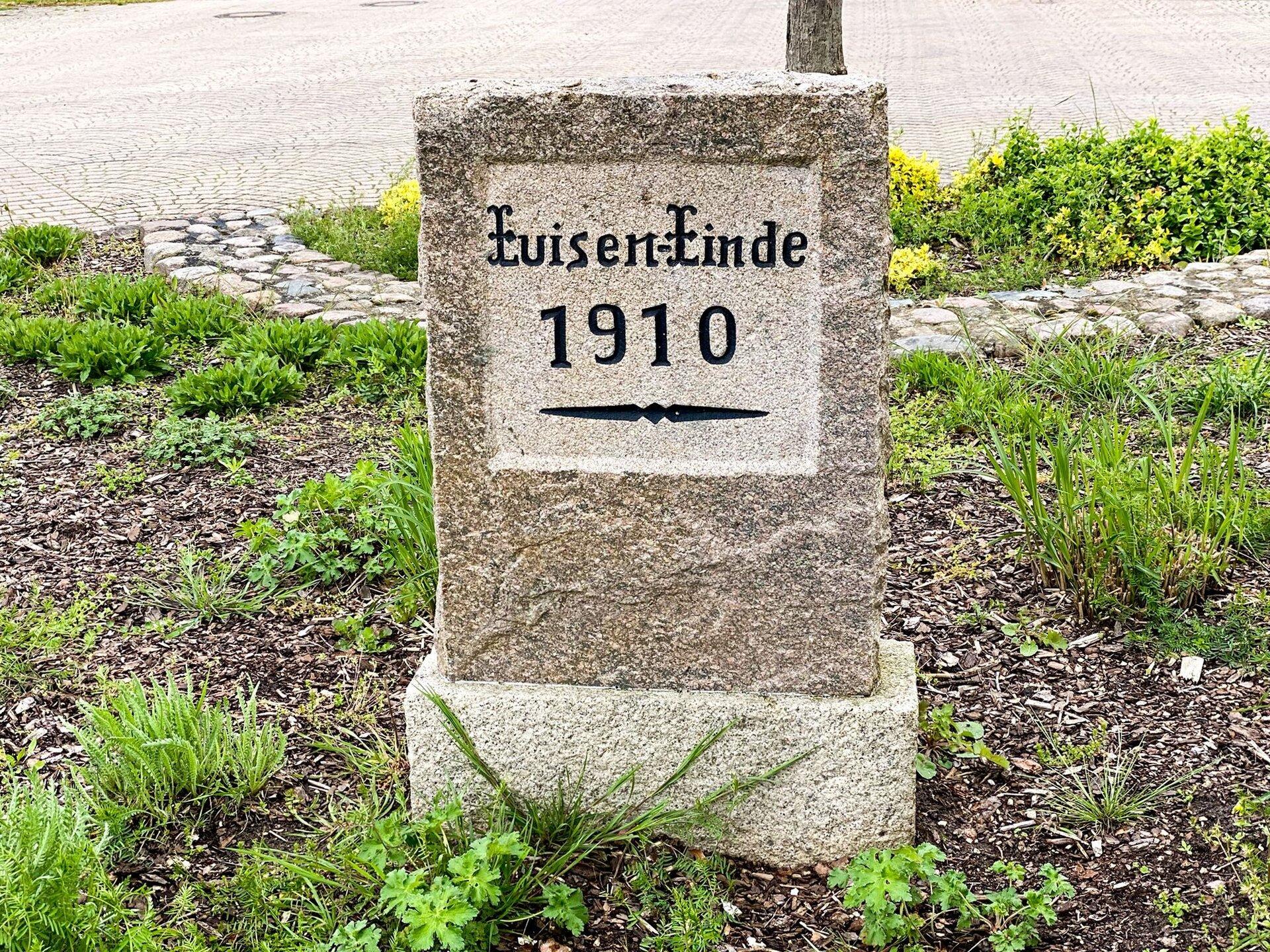 Falkenhagen, Dorfkern: Luisenstein (1910)