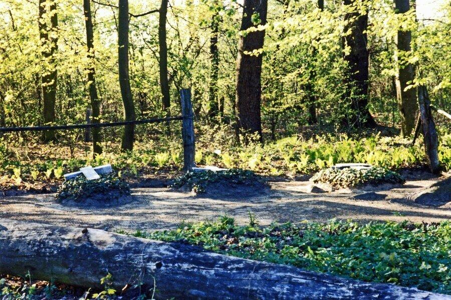 Begräbnisplatz 1992