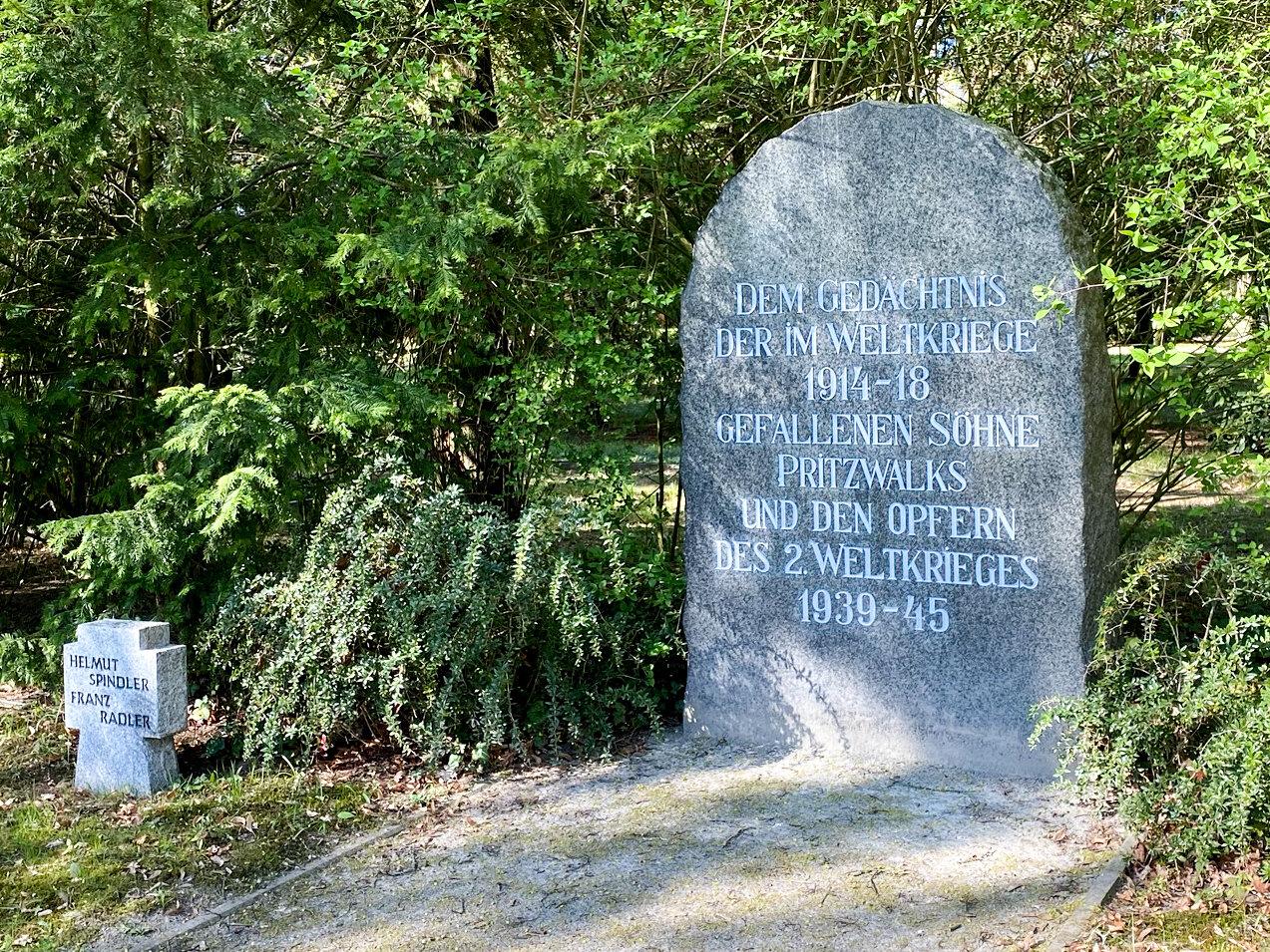 Ehrenfriedhof für die im Ersten und Zweiten Weltkrieg Gefallenen