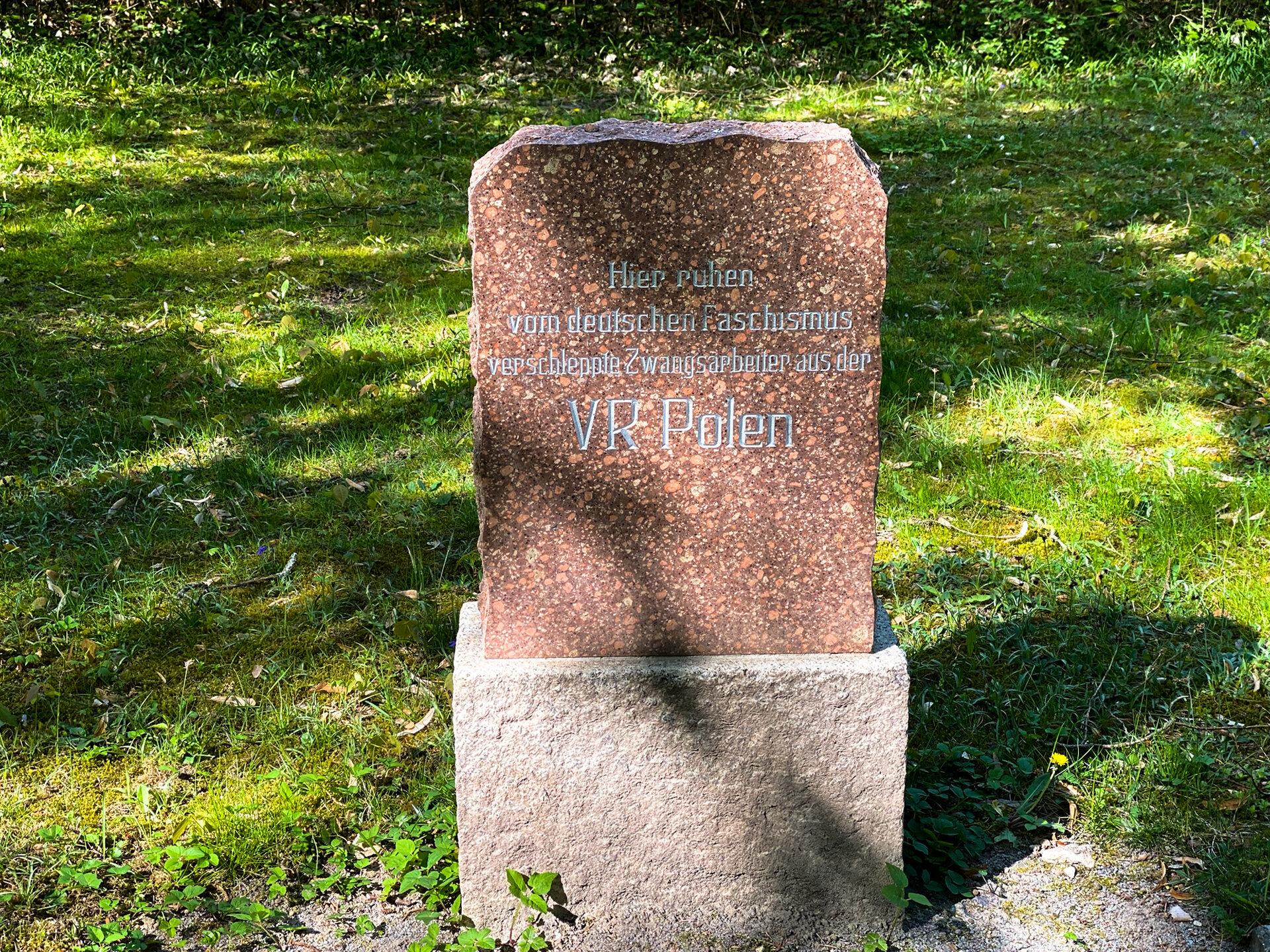 Ehrenfriedhof für die verschleppten Zwangsarbeiter aus Polen