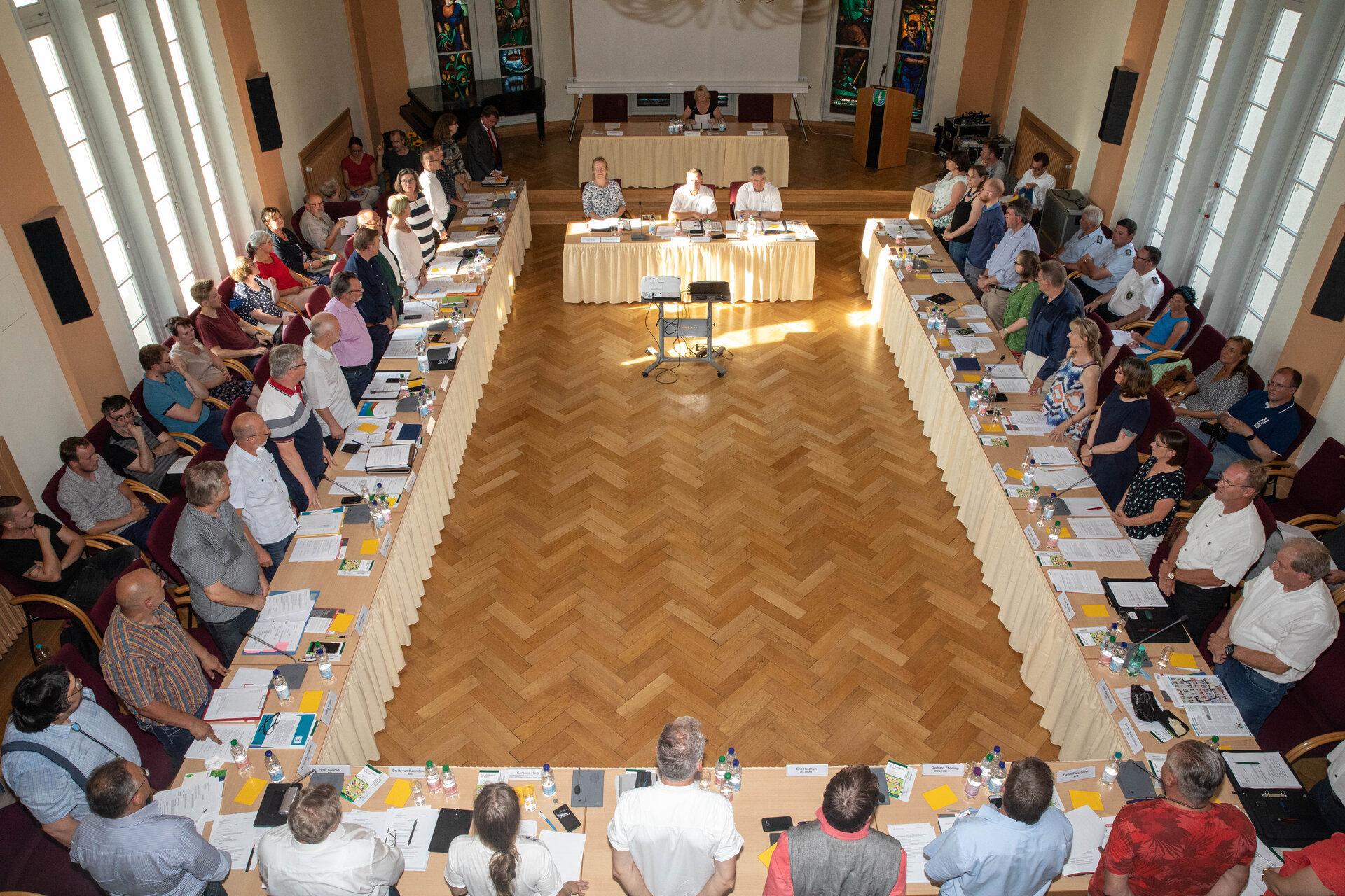 Die SVV tagt im Rathaussitzungssaal.