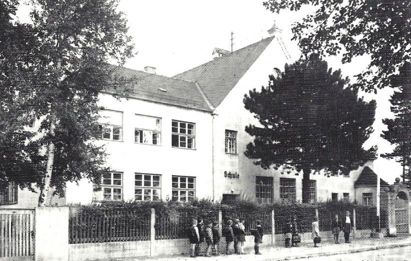 Altes Schulhaus, Bahnhofstraße, 1905