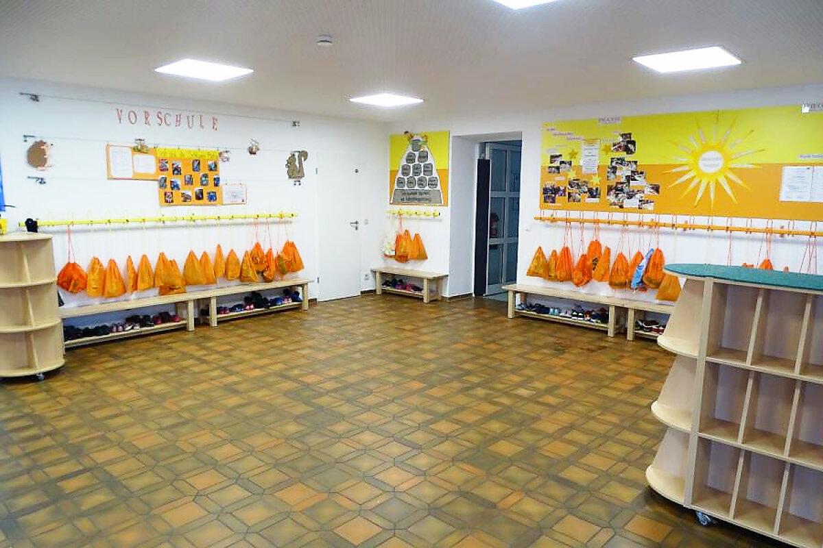 Garderobenhalle 1