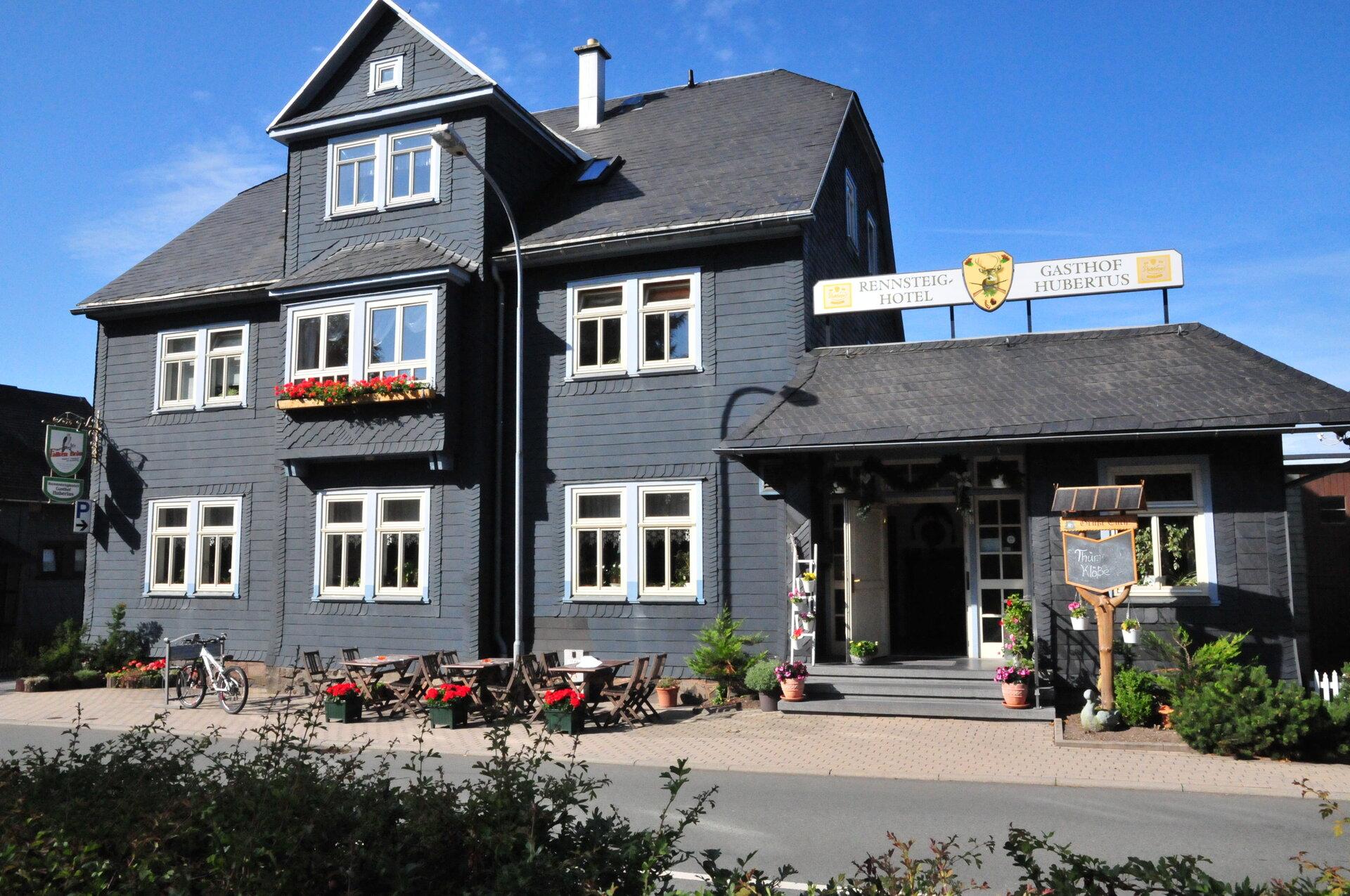"""Rennsteighotel und Gasthof """"Hubertus"""" direkt auf dem Rennsteig"""