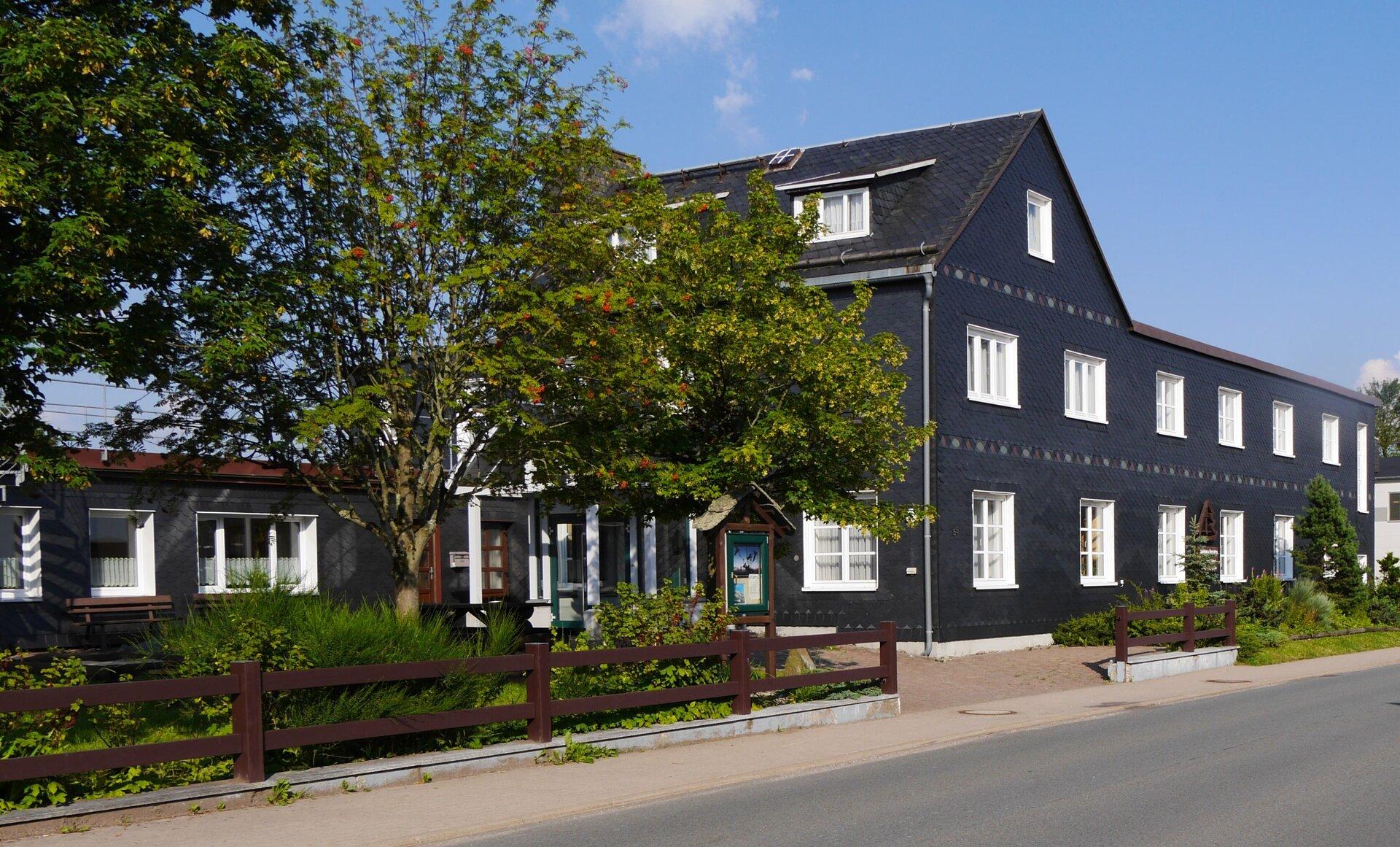 Haus Bibelheim mitten auf dem Rennsteig