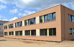 Schule und Hortgebäude