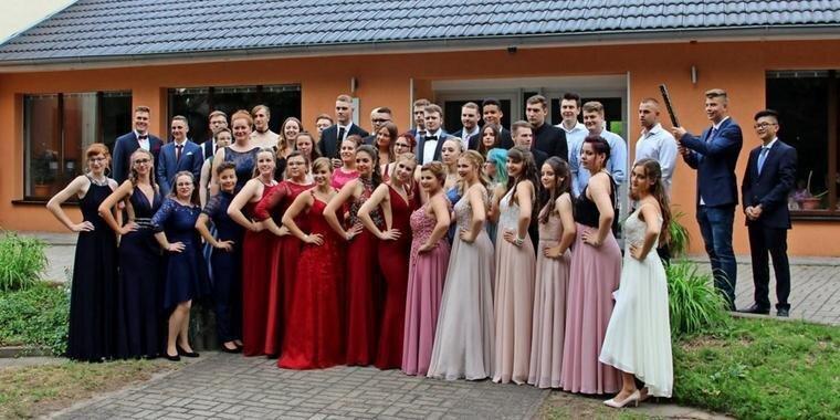 Abiturienten des OSZ Havelland 2019. Quelle: Ulf Tiarks