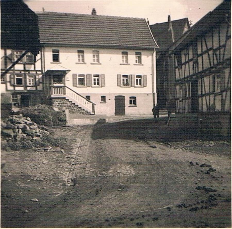 Die Talstraße.