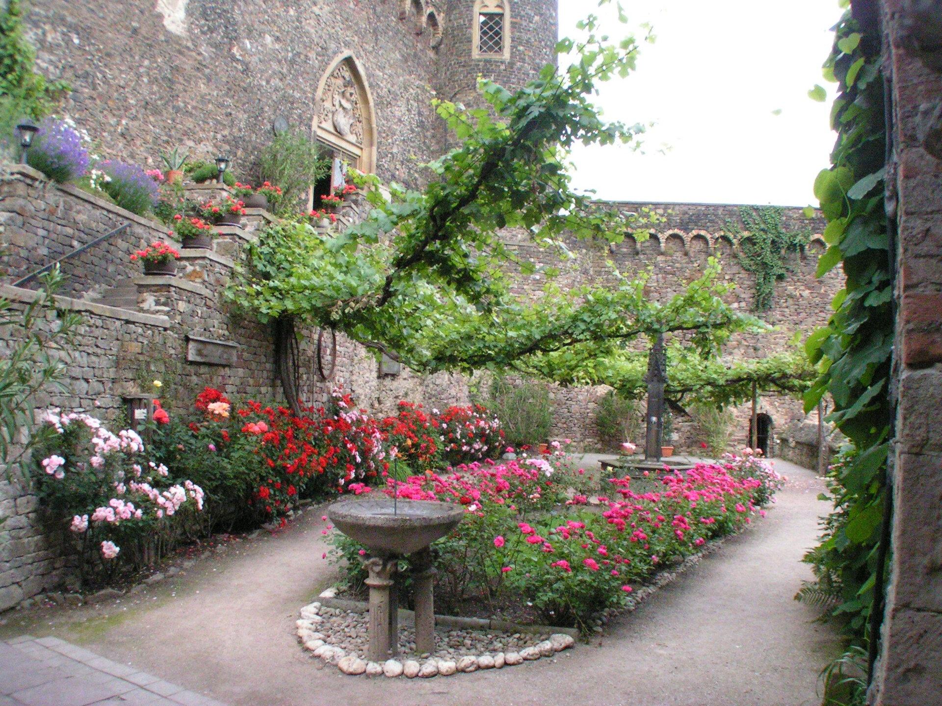 Burgundergarten Burg Rheinstein © Burg Rheinstein