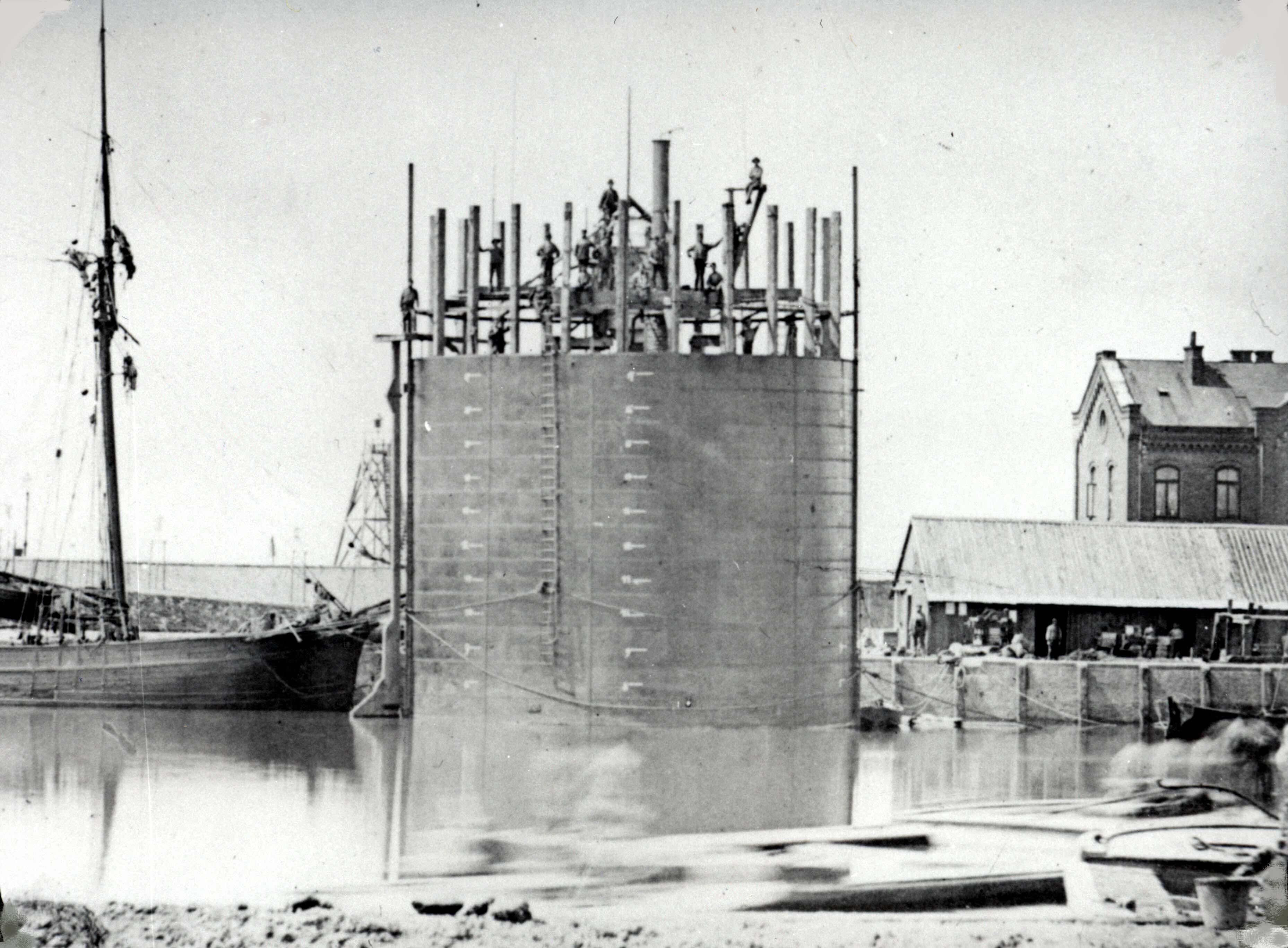 Caissons im Hafen