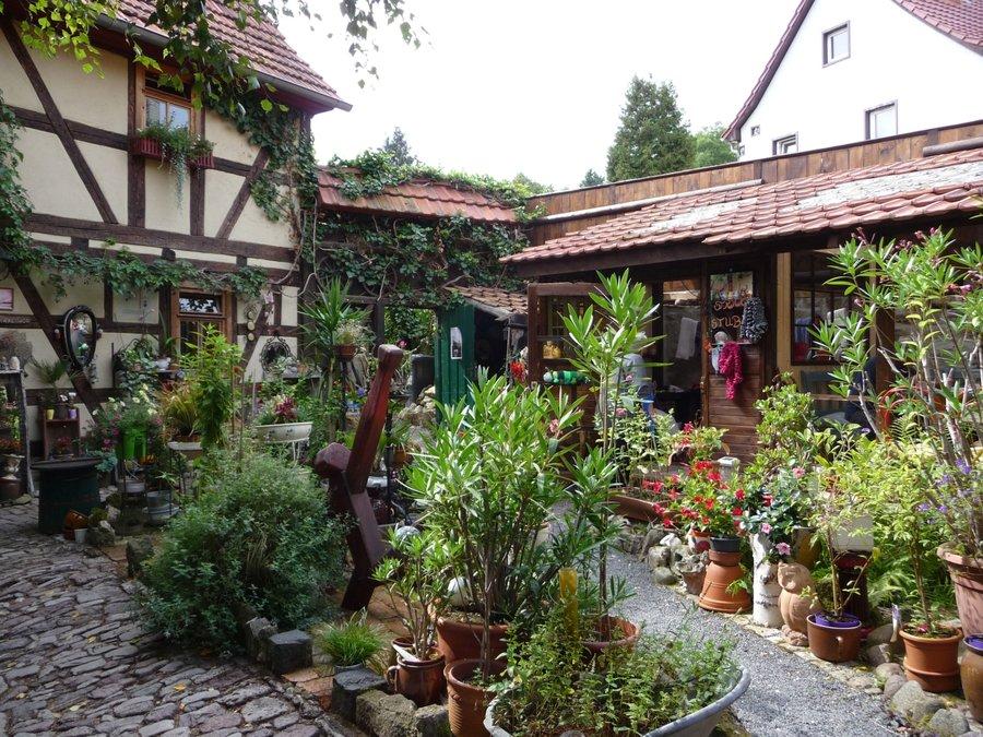 Birkenhof von innen