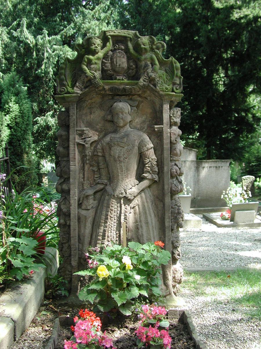 S._13_Friedhof_Grab_der_Brandjungfrau