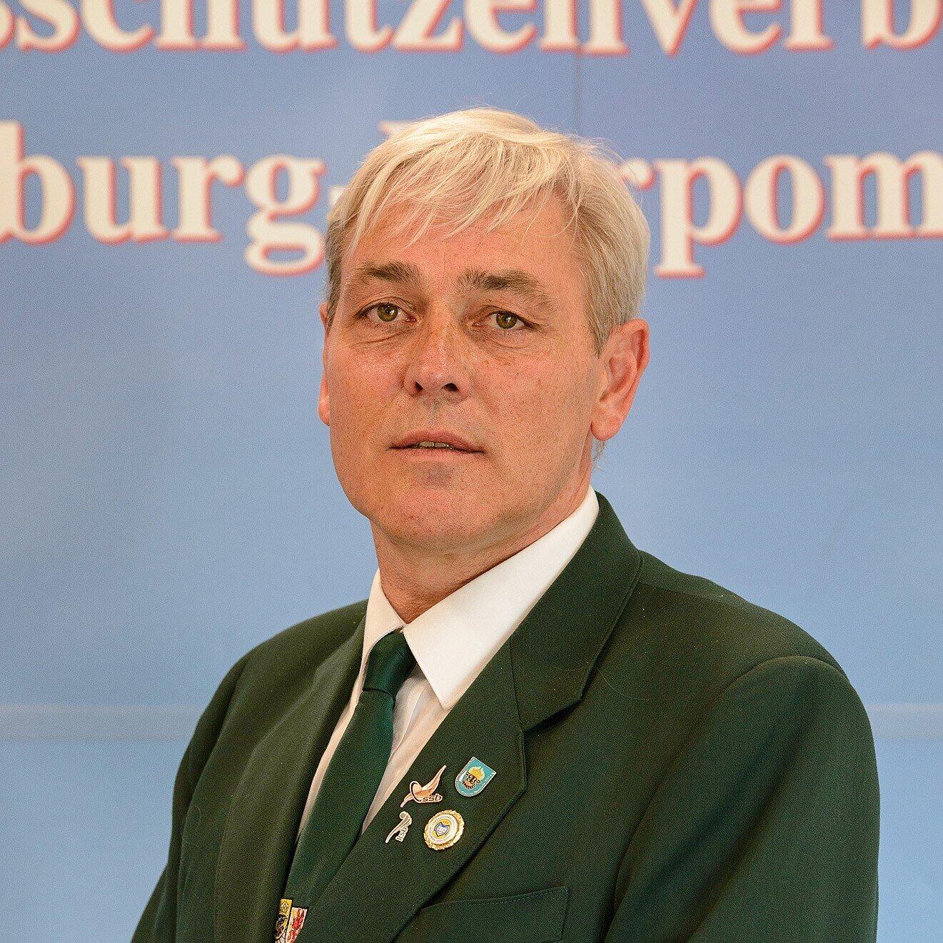 Jörn Schmöker – Geschäftsführer