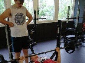 4f_Besuch_im_fitnesstudio.baa