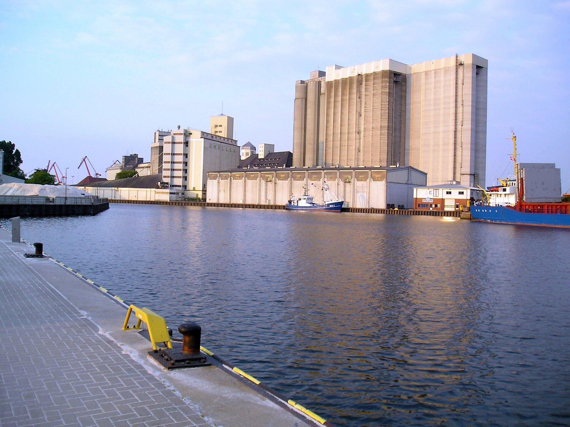 Binnenhafen5_Siloanlagen