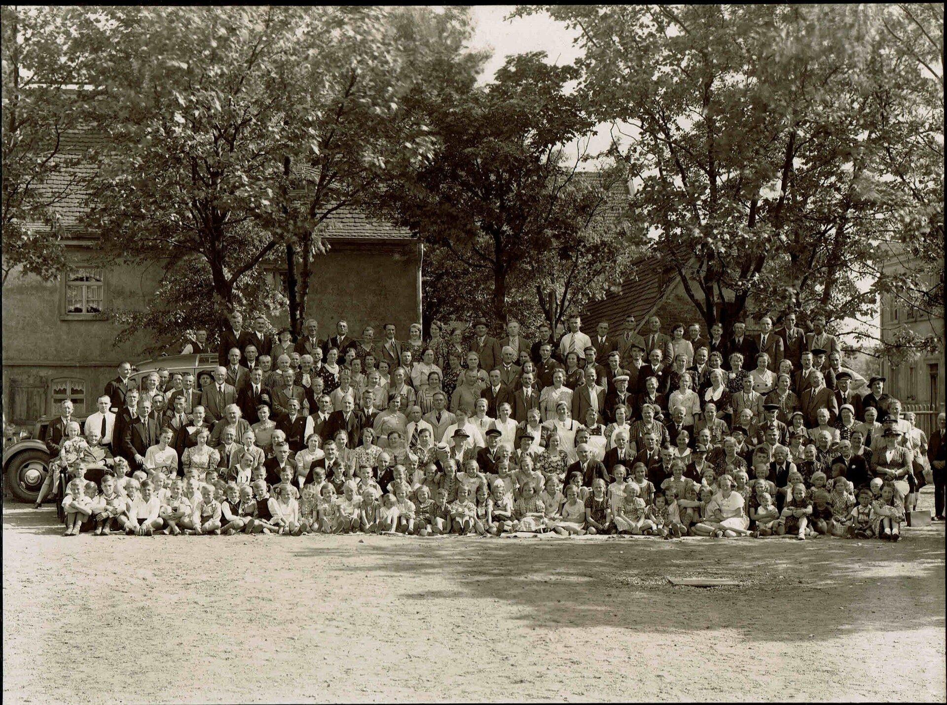 Mitglieder_der_Gartenanlage_1932