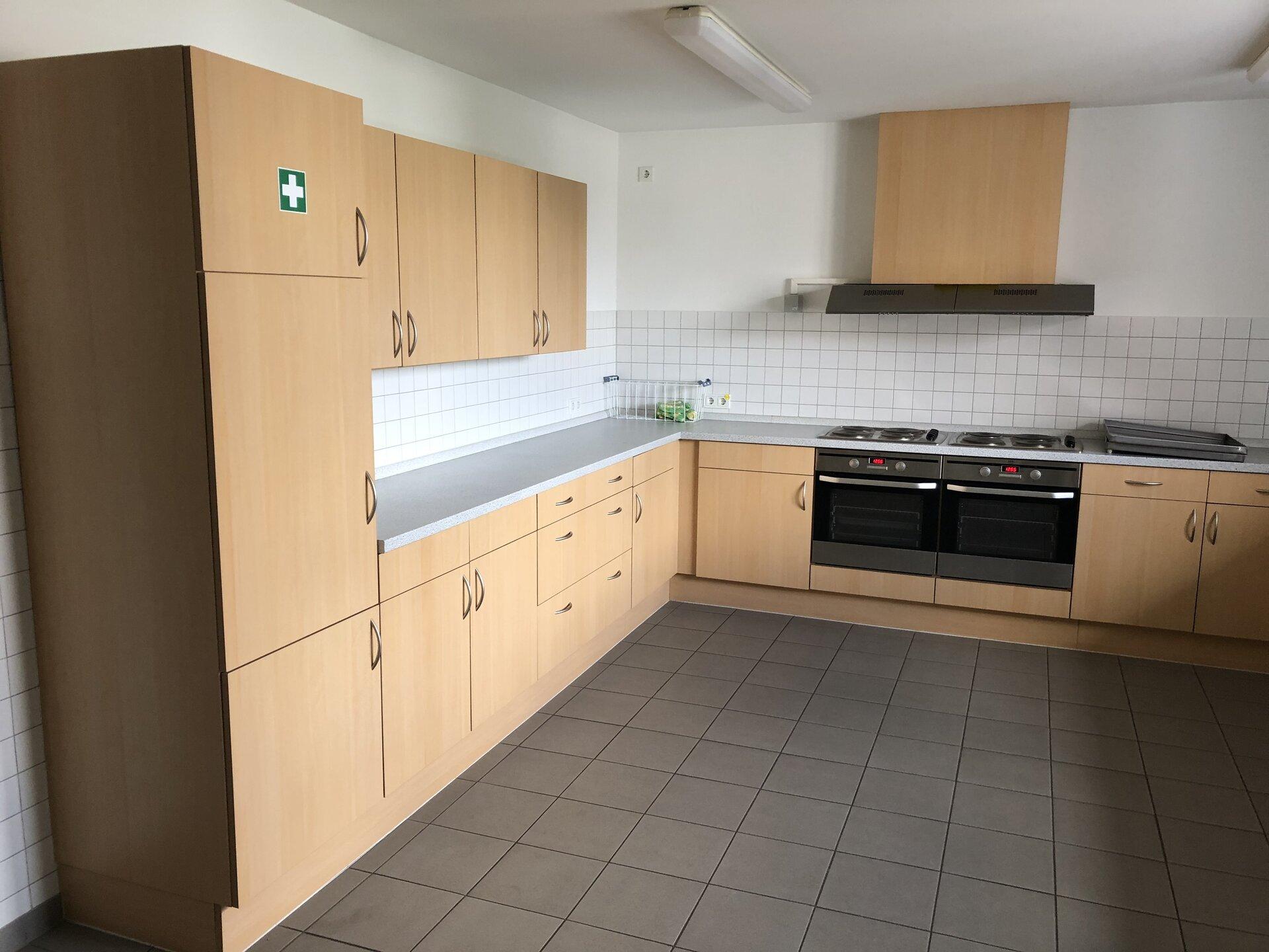 Blick in die Küche / Thekenbereich 2