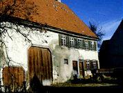 """Das """"Haus Konrad Schick"""" (heute Parkplatz Bitzer Bank) stand auf alten Eisenschmelz-Öfen"""