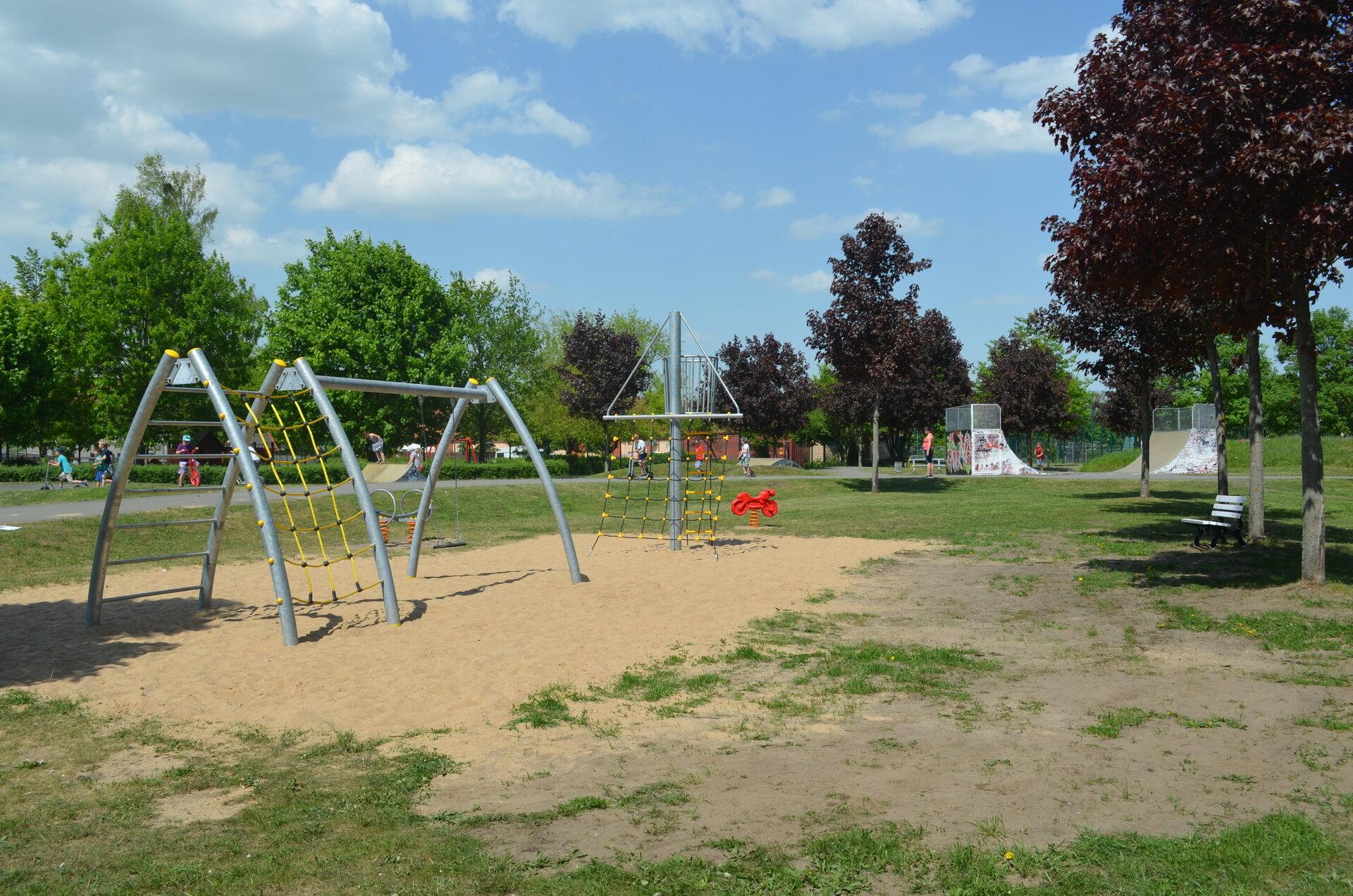 Spielplatz Skaterbahn