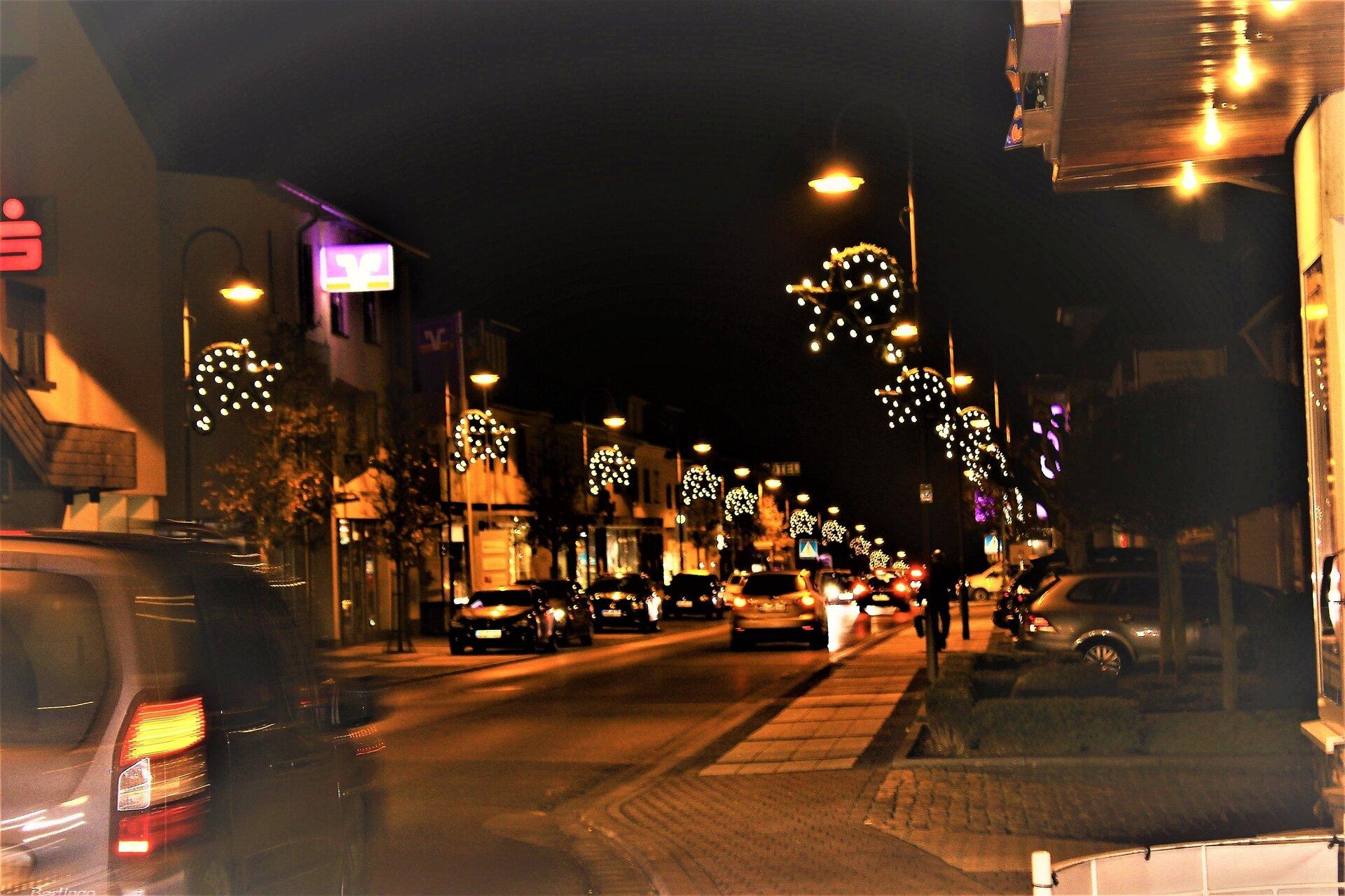Rhein-Mosel-Stra_e-Weihnachtsbeleuchtung