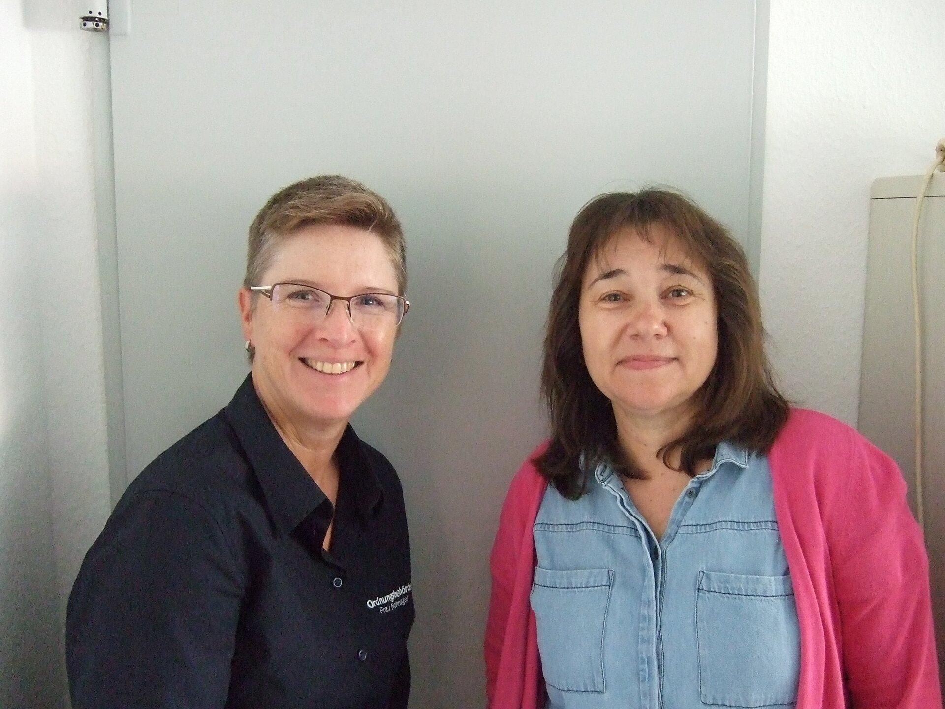 Die beiden Gleichstellungs- und Frauenbeauftragten der Gemeinde Nauheim (v.l.n.r.): Elke Nothnagel und Regine Schüßler
