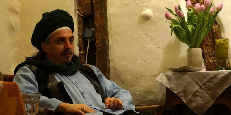 Sheik sitzt