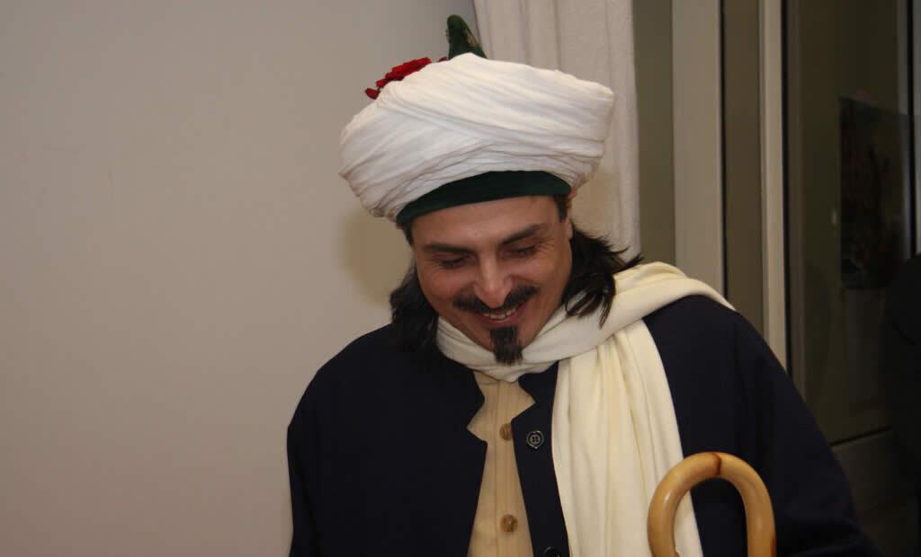 Sheik lächelt
