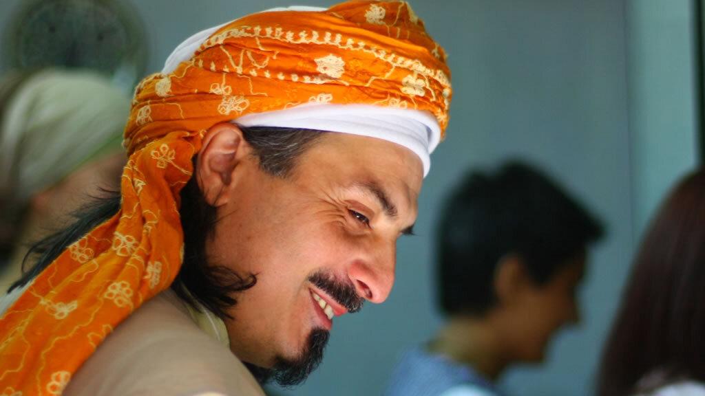 Sheik mit orangenem Turban
