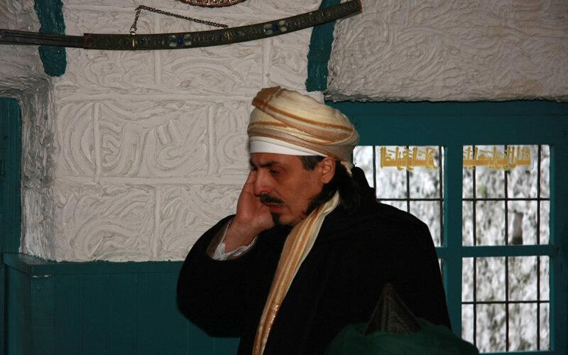 Sheik telefoniert