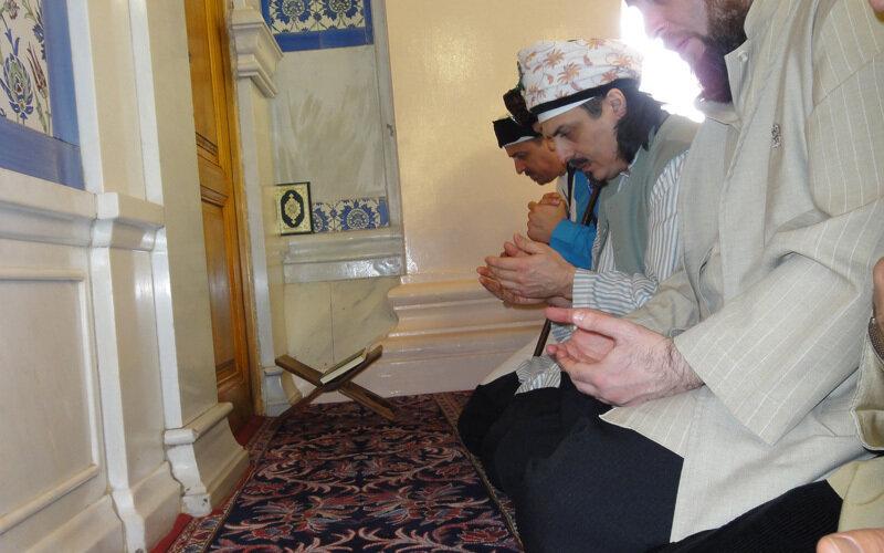 Sheik betend