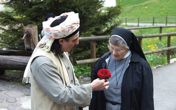 Sheik gibt Nonne Rose