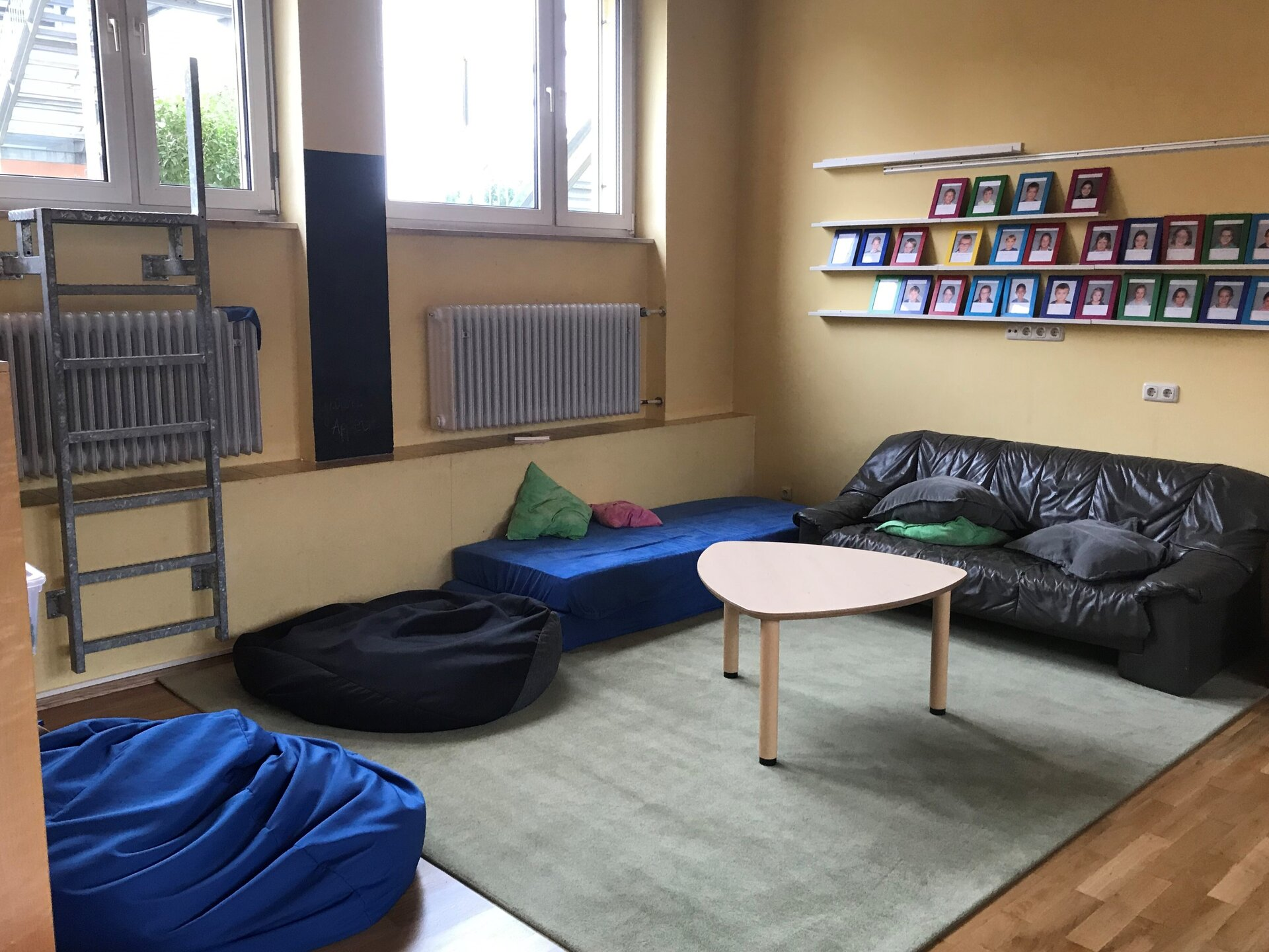 Räume für Hausaufgaben und Freizeitgestaltung