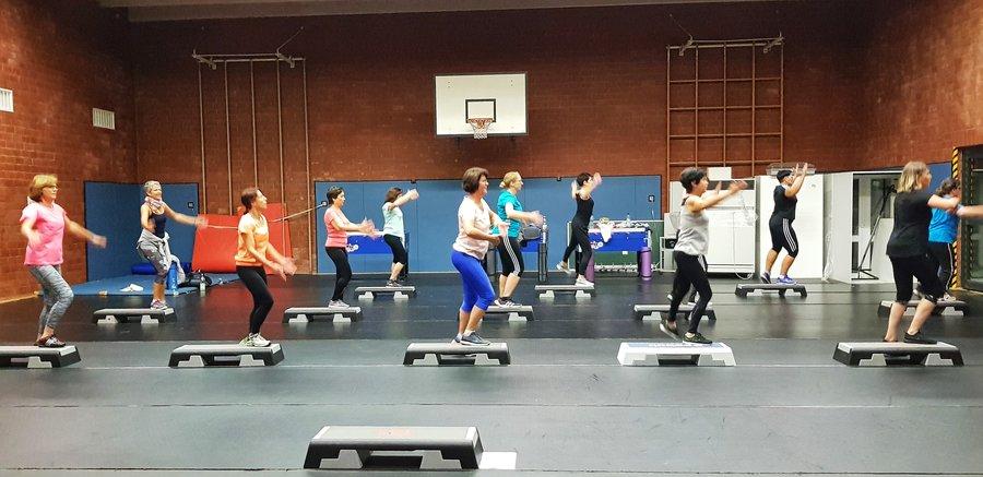 Step-Aerobic_3