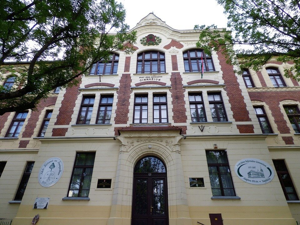 school-1813099_960_720