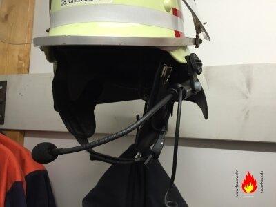 Helm-Sprechgarnituren