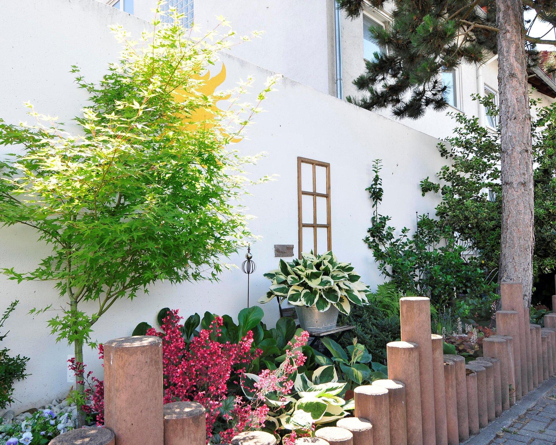 Vorgarten in Dörnigheim