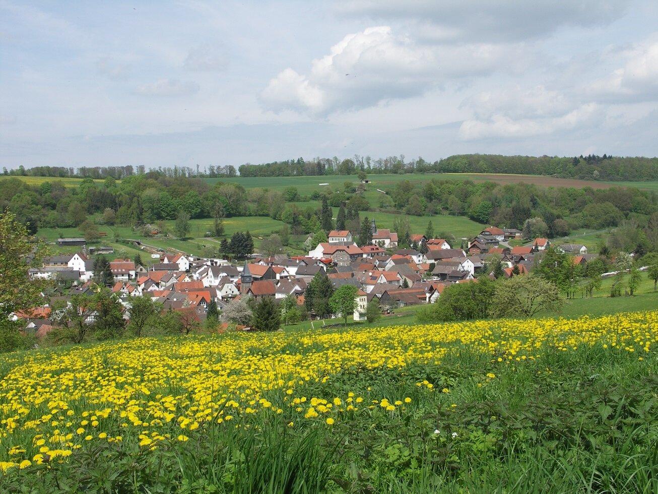 Blick vom Wanderweg nach Usenborn