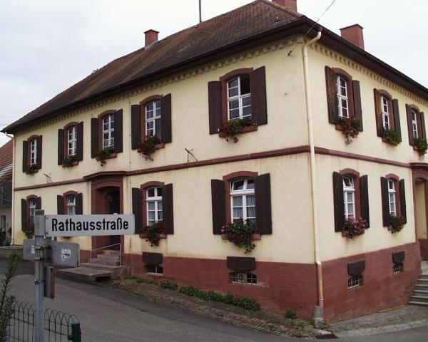 Rathaus Wollbach