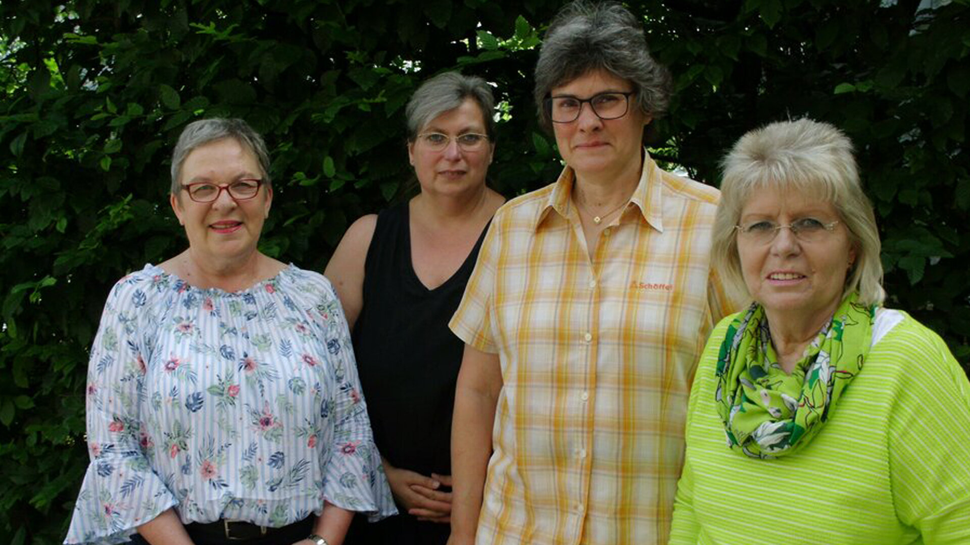 Von links: Waltraut Heus/Beratungsstelle Winsen (Luhe), Brigitte Thiele/Delegierte, Anja Schulz/Delegierte, Alexandra Marnetté/Kontaktgruppenleitung