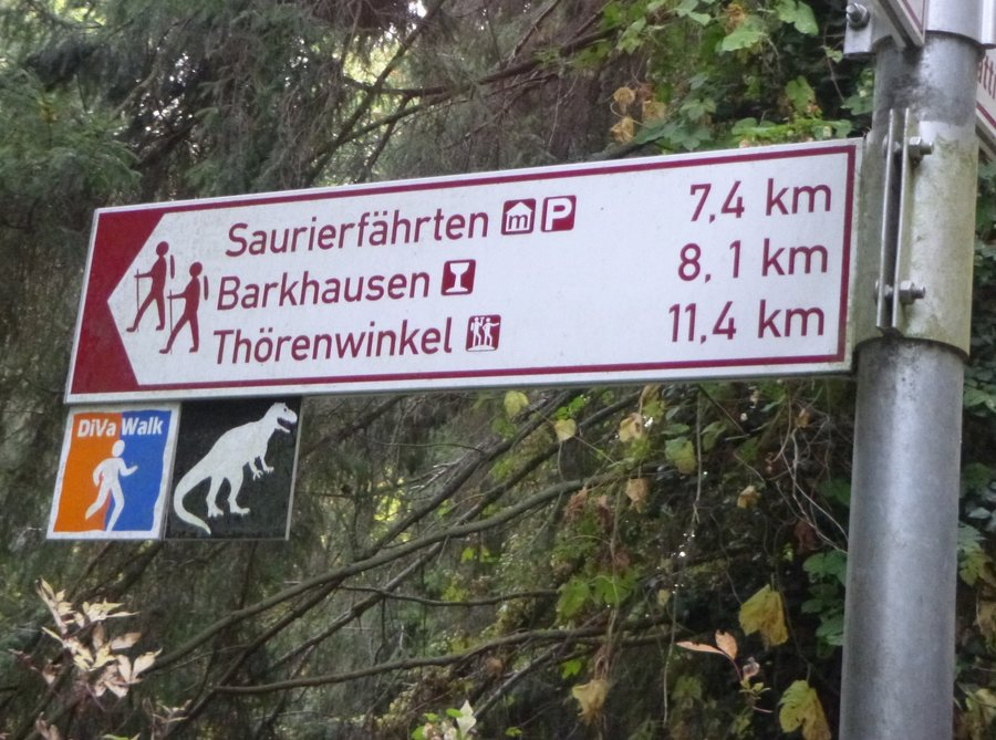 Wegweiser_zu_Saurierf_hrten