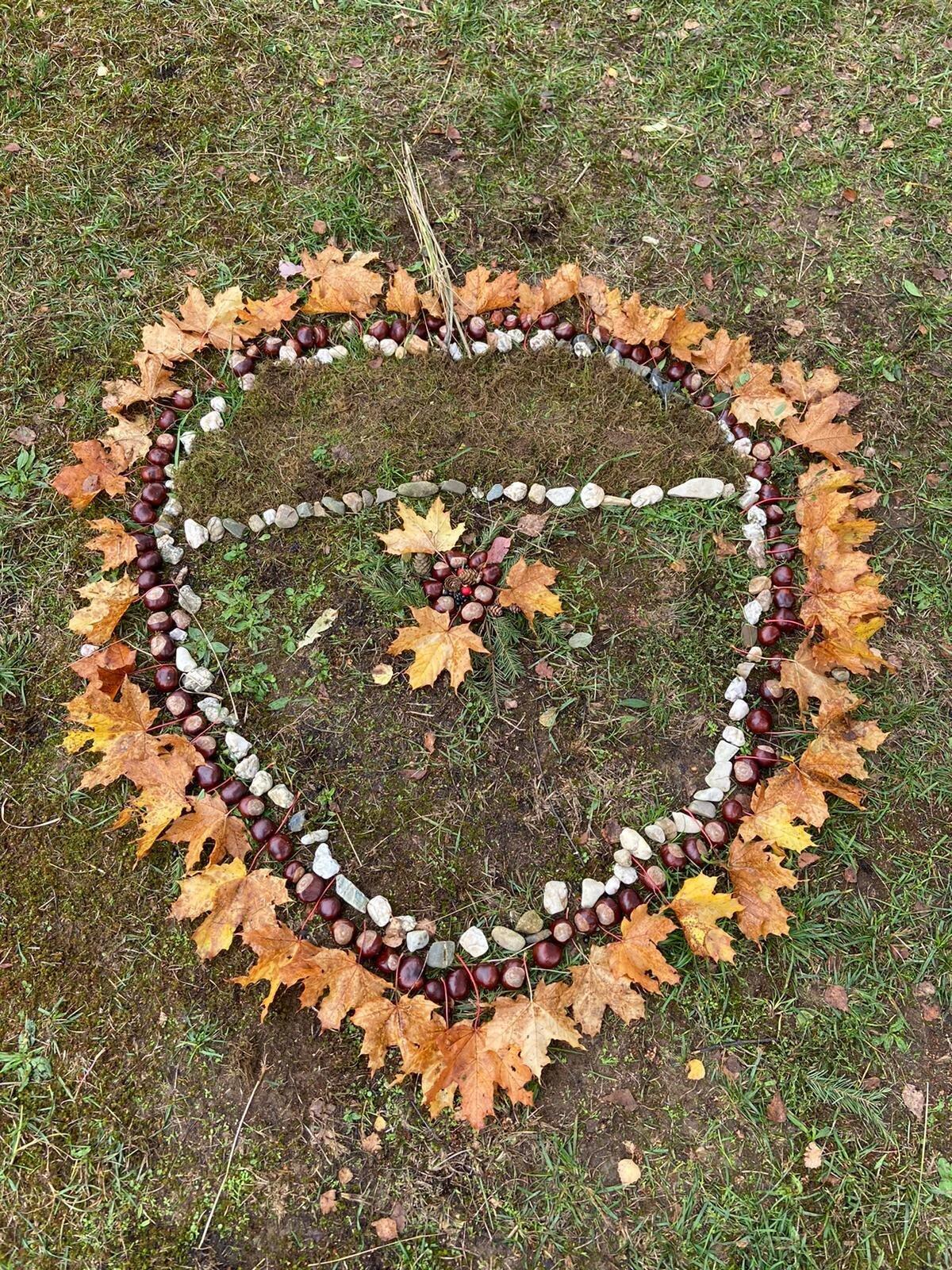 Herbstmandala_Emma_Efthimia_Romy_Kordian