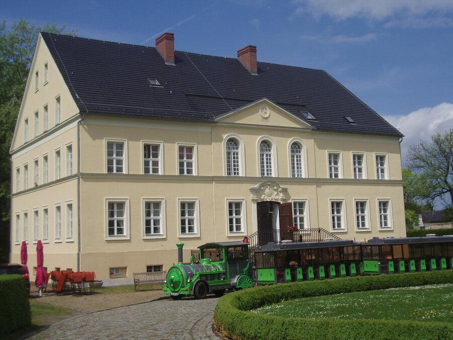 Schloss Bomsdorf Foto: Besucherinformation Neuzelle
